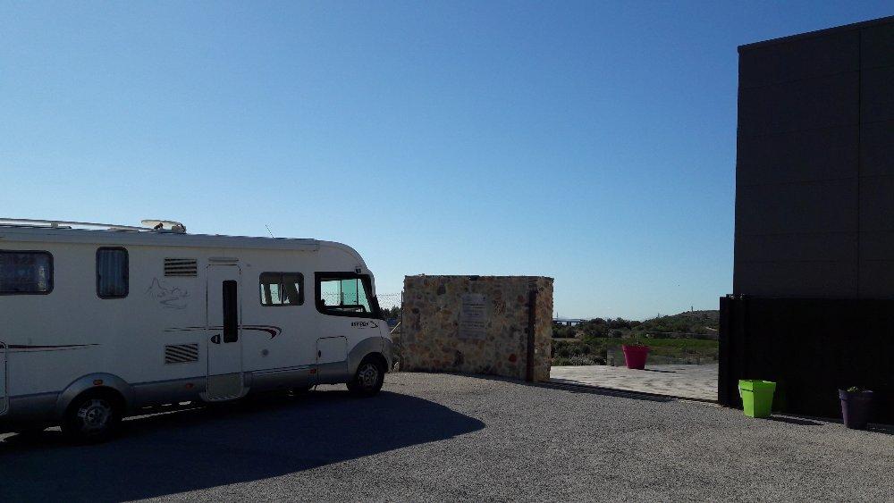 Aire camping-car à Fitou (11510) - Photo 1